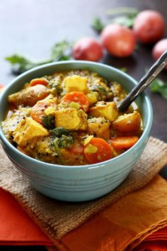 Spicy Tofu & Potato Coconut Curry Soup (I Love Vegan) Curry Au Tofu, Coconut Curry Soup, Coconut Milk, Tofu Recipes, Vegetarian Recipes, Cooking Recipes, Healthy Recipes, Recipies, Vegan Baked Potato