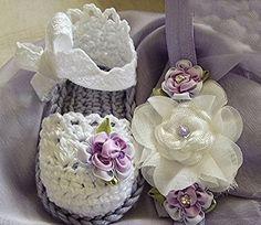 Zapatitos tejidos color lila con blanco, tipo vintage