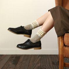 トーションガーリーバンド  靴下屋 / ¥1,260