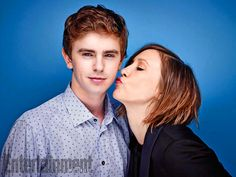 Freddie Highmore, Vera Farmiga, Bates Motel. See more stunning star portraits from our photo studio at San Diego Comic-Con 2014 here: http://www.ew.com/ew/gallery/0,,20399642_20837150,00.html