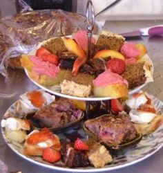 A vegetarian and vegan restaurant and B&B on the Dingle peninsula. Afternoon Delight, Afternoon Tea, Dairy Free, Gluten Free, Vegan Restaurants, Fish Dishes, Sugar Free, Phoenix, Sweet Treats