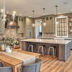 Interior Design Kitchen - Farmhouse kitchen style will be perfect idea if you want to have family gathering in your kitchen during meal time. Farmhouse Style Kitchen, Modern Farmhouse Kitchens, Home Decor Kitchen, Cool Kitchens, Kitchen Rustic, Design Kitchen, Farmhouse Ideas, Kitchen Interior, Elegant Kitchens