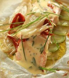 Σολομός στη λαδόκολλα με λαχανικά και σάλτσα béarnaise   Γιάννης Λουκάκος
