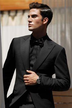 #HLo-Tips: El negro el color elegante por generaciones, no pasara de moda tan fácil un clásico que todos debemos tener.