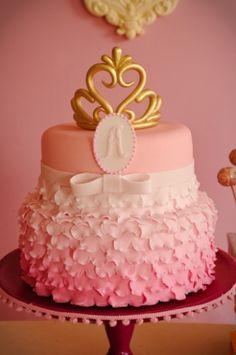 Veja ideias de bolos para aniversário de meninas, crianças ou não - Gravidez e Filhos - UOL Mulher