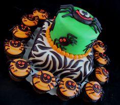 Halloween Cake & Cupcakes