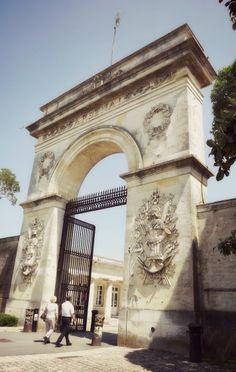 Porte de l' #Arsenal #Rochefort #RochefortOcean Charente Maritime Poitou Charentes