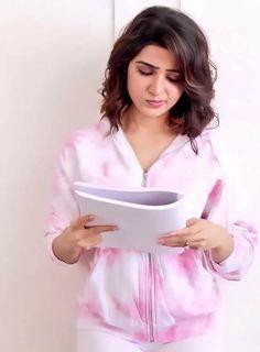Hair Style Vedio, Samantha Photos, Organza Dress, South Actress, Most Beautiful Indian Actress, Beauty Full Girl, Celebrity Photos, Indian Actresses, Ruffle Blouse
