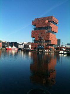 MAS Museum aan de Stroom + panorama over 't Stad