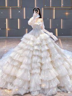 Fancy Wedding Dresses, Pretty Quinceanera Dresses, Cute Prom Dresses, Princess Wedding Dresses, Ball Dresses, Pretty Dresses, Mode Kpop, Fantasy Gowns, Princess Ball Gowns
