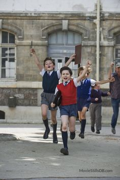 Le petit Nicolas - Movie stills and photos Lil Boy, Cute Little Boys, Cute Teenage Boys, Character Poses, Kid Character, Grey School Shorts, Daily Fashion, Retro Fashion, Boys Short Suit