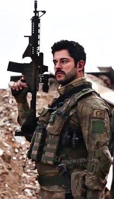 Turkish Men, Turkish Beauty, Turkish Actors, Beautiful Men Faces, Gorgeous Men, Beautiful Pictures, Deadpool Art, Burak Ozcivit, Military Couples