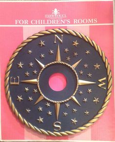 This compass ceiling medallion from @mariericci is perfect for a nautical-themed nursery or kids room. Perfect accent!