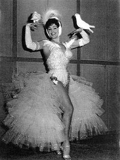 moira-orfei-e-i-colombi-1961.jpg 630×840 pixels
