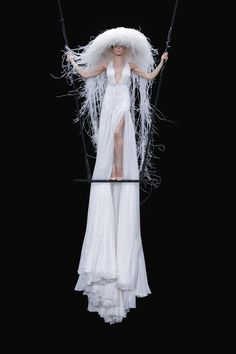 Valentino Couture, Valentino Women, Style Couture, Haute Couture Fashion, Fashion News, High Fashion, Fashion Show, Fashion Trends, Vogue Paris