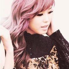 Beautiful Hyosung from SECRET <3 I love(d) her purple/pink hair soooo much !!
