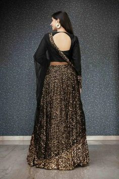 Party Wear Indian Dresses, Dress Indian Style, Indian Fashion Dresses, Indian Outfits, Indian Gowns, Western Outfits, Indian Wear, Lehnga Dress, Lehenga Choli