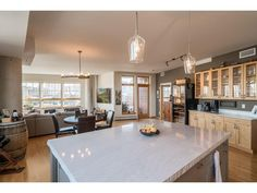 111 4th Ave N 603, Minneapolis, MN 55401. 2 bed, 2 bath, $759,500. Hard to find Rock Is...
