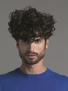 Taglio di capelli uomo ricci