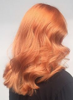 4 innovative hair colour trends to have on your radar in 2019 Honey Blonde Hair, Strawberry Blonde Hair, Copper Rose Gold Hair, Pattern Cute, Peach Hair, Pastel Orange Hair, Low Lights Hair, Rides Front, Permanent Hair Dye