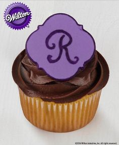 Make these monogrammed fondant cupcakes for any special occasion or party. :)
