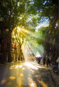 Good Mornng Sunshine in Saigon/Ho Chi Minh City - Visit http://asiaexpatguides.com to make the most of your experience in Vietnam!