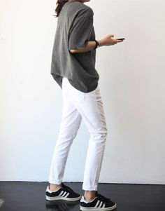 Minimal + Chic | @CO DE + / F_ORM  Loving white jeans right now...need to hunt some down!