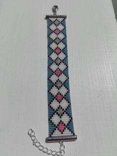 Bracelet manchette tissé sur métier avec des perles japonaises
