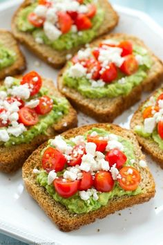 This greek-style avocado toast is quick and healthy enough for a filling weekday. This greek-style avocado toast is quick and healthy enough for a filling weekday breakfast, but also fancy enough for any weekend brunch. Breakfast And Brunch, Avocado Breakfast, Mexican Breakfast, Breakfast Pizza, Breakfast Bowls, Detox Breakfast, Breakfast Fruit, Breakfast Healthy, Clean Eating Snacks