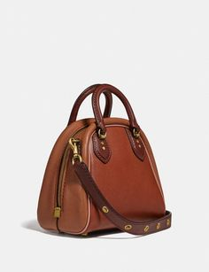 How to locate Gucci, Chanel, and Celine handbags on a budget than retail! Or use my breakdown of the best designer purse dupes to score the unchanging luxury look. Brown Leather Satchel, Leather Clutch Bags, Leather Purses, Leather Totes, Celine Handbags, Satchel Handbags, Women's Handbags, Luxury Handbags, Fashion Handbags