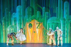 REVIEW: The Children's Theatre of Cincinnati's The Wizard of Oz