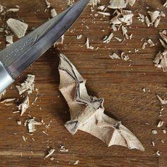 Ingen tilgængelig billedbeskrivelse is part of Wood carving art - Dremel Wood Carving, Wood Carving Art, Wood Art, Wood Wood, Whittling Projects, Whittling Wood, Whittling Patterns, Wood Carving Designs, Wood Carving Patterns