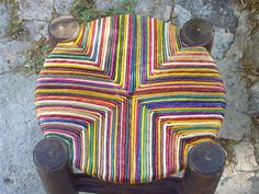 Discover thousands of images about Tamboret cordat Furniture Upholstery, Art Furniture, Furniture Making, Painted Furniture, Refurbished Chairs, Woven Chair, Indian Furniture, Rope Crafts, Lawn Chairs