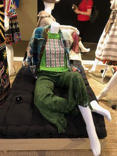 Weavers of the Clouds: Textile Arts of Peru – Culturas de Moda Trend Forecasting, Textiles, Textile Art, Peru, Clouds, Outfits, Fashion, Fashion Studio, Cute Aprons