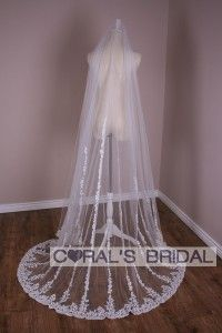 V0017 Long Wedding Veil Lace