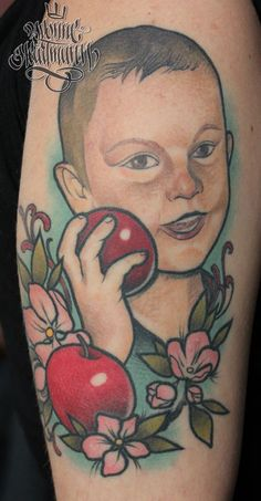 Portrait of a customers son on her arm:) #portraittattoo #portrait #apple #tattoo
