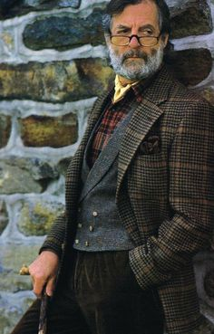 Der Gentleman, Gentleman Style, Vintage Gentleman, Sharp Dressed Man, Well Dressed Men, Tartan, Tweed Run, Plaid Outfits, English Style