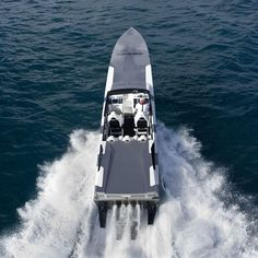 Don't know why I always love this kind of boat. Fast Boats, Speed Boats, Power Boats, Super Yachts, Lamborghini, Car Furniture, Jet, Love Boat, Boat Design