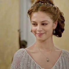 I miss this cute, kind and beautiful girl ..  Tatja.. { #kurtseyitveşura #kurtseyitvesura #tatjana #evadedova }