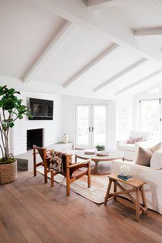 Montecito residence. Photographer: Jessica Comingore. Architect: Michael Eserts   Eserts Studio.