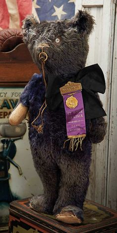 The Blackler Collection (Part 2 of 2-Vol set): 44 American Electric Eye Teddy in Rare Blue Color