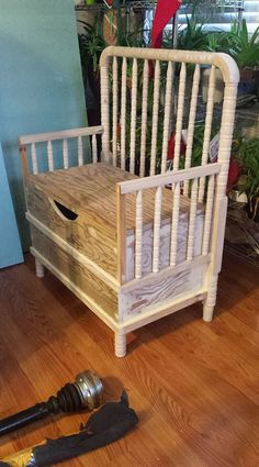 Turn an Old Crib into an Entryway Stunner