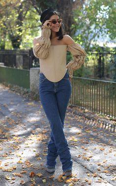 Denisa Potecaru Corset, Balenciaga, Summer Outfits, Skinny Jeans, Womens Fashion, Pants, Construction, Wallpapers, Inspiration