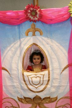 mom made this carriage and every princess had their picture taken. Gotta love princess birthday parties!