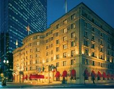Discover Fairmont Copley Plaza, hotel in Boston and enjoy the hotel's spacious, comfortable rooms in Fairmont Hotel. Feel welcome to our elegant and luxurious hotel where we will make your stay an unforgettable experience. Downtown Boston, In Boston, Boston Strong, Boston Common, Fairmont Copley, Copley Square, Fairmont Hotel, Boston Public Library, Places