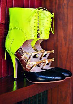 designer shoes, girl fashion, neon green, heel, woman shoes, miu miu, chameleon, cut outs, new shoes