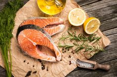 Choose wild-caught fresh salmon when you can. Copper River Salmon, Salmon Recipes, How To Know, Healthy Choices, Protein, Organic, Good Things, Fish, Canning