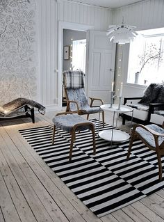 Interior from Gotland Ikea black & white rug plus sheepskin upholstery Living Room Modern, Home And Living, Living Area, Ikea Stockholm Rug, House Of Philia, Ikea Rug, Scandinavian Furniture, Scandinavian Interiors, White Rug