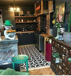 Basic funky home decor decorating reference 8535369567 for a totally snug area. Funky Home Decor, Eclectic Decor, Diy Home Decor, Eclectic Kitchen, Kitchen Styling, Kitchen Decor, Interior Design Kitchen, Interior Decorating, Deco Boheme