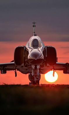 Military McDonnell Douglas F-4 Phantom II Jet Fighters Airplane Mobile Wallpaper